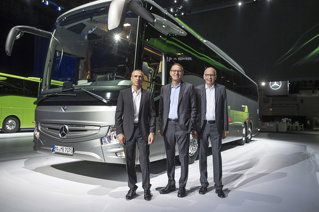 Mercedes-Benz Presents The New Version of Europe's Most Successful Touring Coach - Tourismo RHD 3