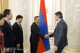 Karen Karapetyan holds meeting with China's AVIC International executive