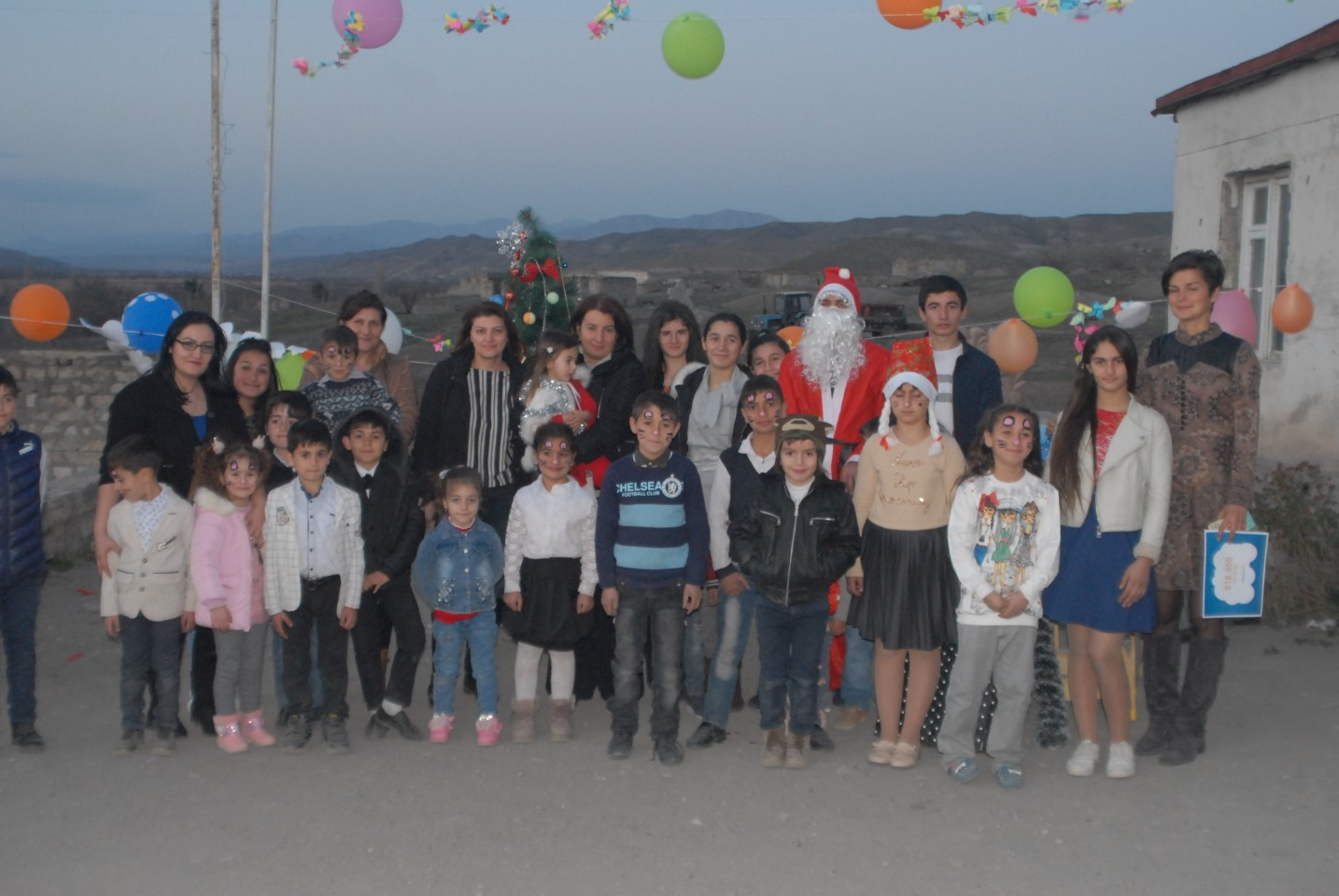 "Converse Bank ""Became a Santa"" for the Children of Artsvashen"