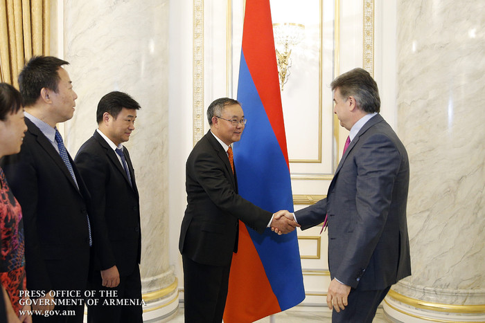 Karen Karapetyan holds meeting with China's AVIC International executive