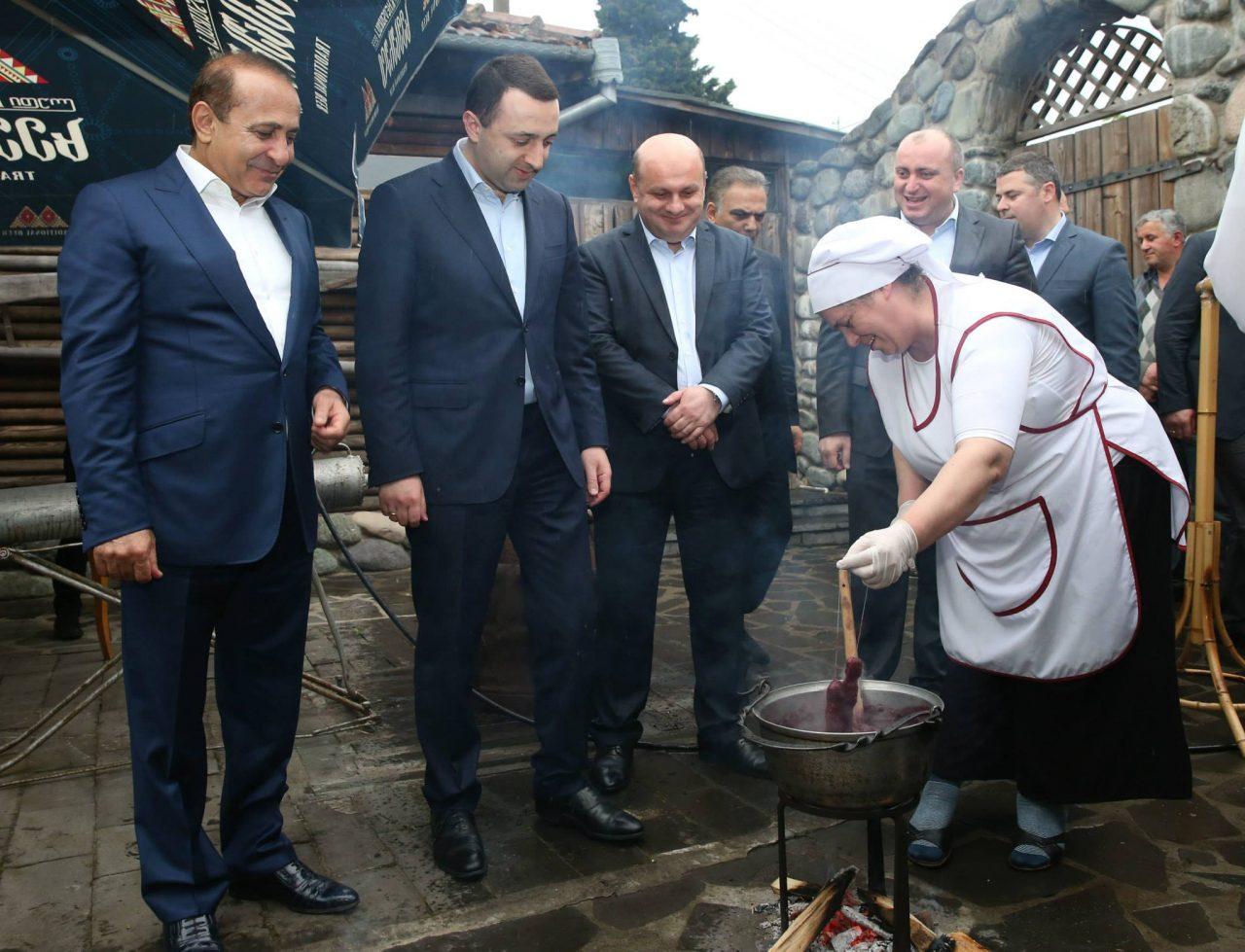 Հովիկ Աբրահամյանն աշխատանքային հանդիպում է ունեցել Վրաստանի վարչապետի հետ