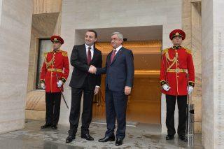 Նախագահ Սերժ Սարգսյանը հանդիպում է ունեցել Վրաստանի վարչապետ Իրակլի Ղարիբաշվիլիի հետ