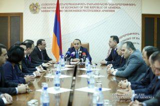Վարչապետը ներկայացրել է էկոնոմիկայի նորանշանակ նախարար Արծվիկ Մինասյանին
