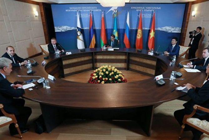 ԵԱՏՄ կառավարությունների ղեկավարները ոչ պաշտոնական հանդիպում` ընթրիքի սեղանի շուրջ
