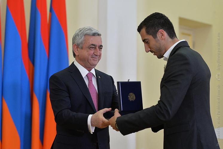 Հենրիխ Մխիթարյանը նախագահ Սարգսյանի կողմից պարգևատրվել է «Հայրենիքին մատուցած ծառայությունների համար» 1-ին աստիճանի մեդալով