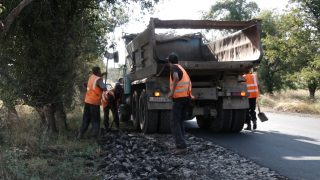 Կապալառուներն իրենց միջոցներով վերականգնում են Ագարակ – Օձուն ճանապարհի վնասված հատվածները