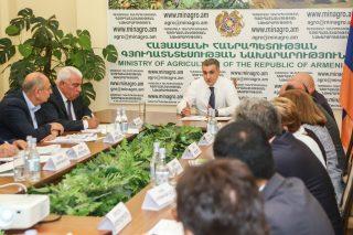 ՀՀ ԳՆ հասարակական խորհրդի հերթական նիստում քննարկվել են գյուղոլորտի զարգացմանն ուղղված նոր ծրագրերը