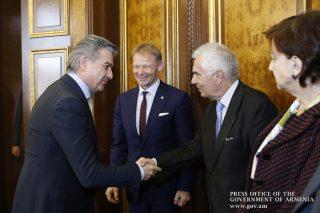Կարեն Կարապետյանն ընդունել է Եվրոպական ներդրումային բանկի փոխնախագահ Վազիլ Հուդակի գլխավորած պատվիրակությանը