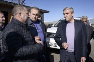 Վահան Մարտիրոսյանը Գեղարքունիքի մարզում ծանոթացել է ճանապարհաշինական ծրագրերի ընթացքին