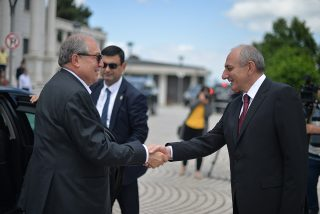 Արմեն Սարգսյանն ու Բակո Սահակյանը հանդիպել են Ստեփանակերտում