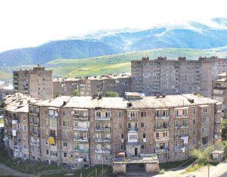 Ադրբեջանից բռնագաղթած 34 ընտանիքների կնվիրատրվեն իրենց բնակելի տարածքները