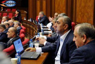 Հայտնի գործարար Սամվել Ալեքսանյանը լքում է ԱԺ ՀՀԿ խմբակցությունը