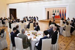 Նախագահ Արմեն Սարգսյանի անունից տրվել է պետական ճաշ՝ ի պատիվ Իտալիայի նախագահ Սերջիո Մատարելայի