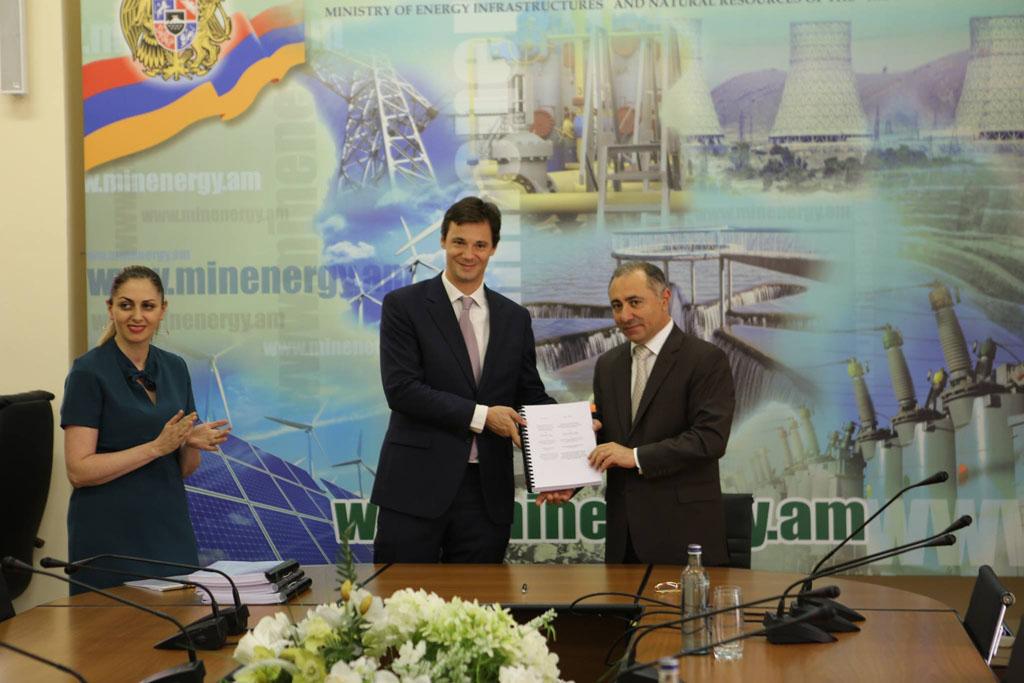 Ստորագրվեց «Մասրիկ-1» արևային ֆոտովոլտային էլեկտրակայանի կառուցման համաձայնագիրը