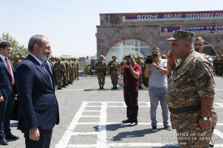 Համոզված եմ, որ դուք այդ ծառայությունը կիրականացնեք պատվով և հաղթական․ վարչապետը ոստիկանության զորքերին մաղթել է անփորձանք ծառայություն