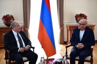 Արմեն Սարգսյանը հյուրընկալել է հայտնի շվեդ տնտեսագետ Կյել Նորդստրյոմին