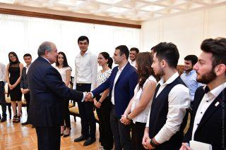 Նախագահի նստավայրում են հյուրընկալվել ԵՊՀ մի խումբ ուսանողներ