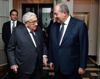 Արմեն Սարգսյանը Հենրի Քիսինջերին հրավիրել է այցելել Հայաստան