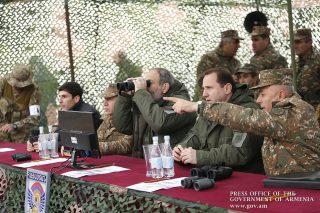 Նիկոլ Փաշինյանը մարտական հենակետում հետևել մարտավարական զորավարժությանը
