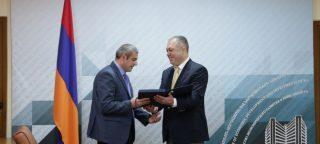 Հակոբ Ավագյանին է հանձնվել ԵՏՀ կոլեգիայի նախագահ Տիգրան Սարգսյանի շնորհակալագիրը