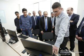 Վանաձորի համաժողովի ընթացքում ներկայացվել են տարբեր ներդրումային ծրագրեր. վարչապետը շրջայց է կատարել տեխնոլոգիական կենտրոնում