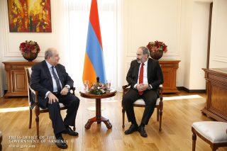Վարչապետ Փաշինյանը հանդիպում է ունեցել նախագահ Արմեն Սարգսյանի հետ