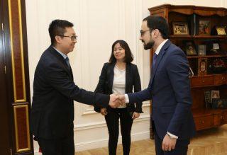 Փոխվարչապետ Տիգրան Ավինյանն ընդունել է չինական «ԱՎԻԿ» հոլդինգի պատվիրակությանը
