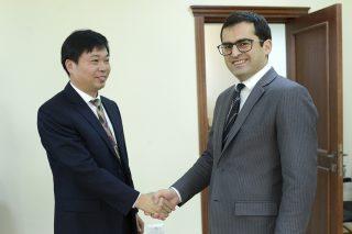 Նախարար Հակոբ Արշակյանն ընդունել է չինական «Սինոհիդրո» կազմակերպության ներկայացուցչներին