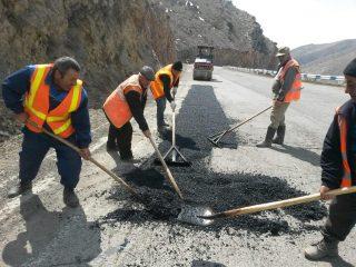 Մեկնարկել են հանրապետության ճանապարհների փոսային նորոգման աշխատանքները