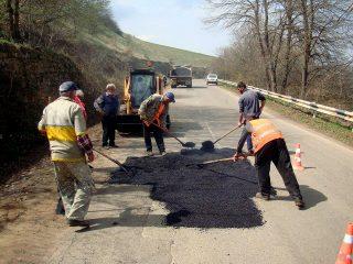 Միջպետական և հանրապետական նշանակության ավտոճանապարհների փոսային նորոգման աշխատանքները վերսկսվել են