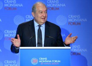Հավատացած եմ, որ 21-րդ դարը կարող է լինել ոչ միայն գերտերությունների, այլև ՝ հաջողակ փոքր երկրների ժամանակաշրջանը. նախագահ Արմեն Սարգսյանը մասնակցել է Crans Montana Forum-ի բացմանը
