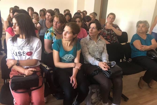 Գյումրու Sasstex կարի գործարանի աշխատակիցներին ղեկավարությունը չի թողնել մուտք գործել ընկերություն