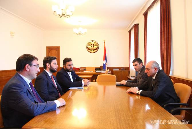 Բակո Սահակյանը հանդիպում է ունեցել Էռնեկյան խմբի Հայաստանի մասնաճյուղի տնօրենի հետ