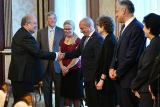 Արմեն Սարգսյանը հանդիպել է Հայաստանի տեխնոլոգիական ապագային վերաբերող քննարկման մասնակիցներին