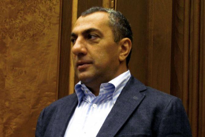 Հրապարակ. Սամվել Ալեքսանյանը սկսել է գնել «Փակ շուկայի» հարակից տները