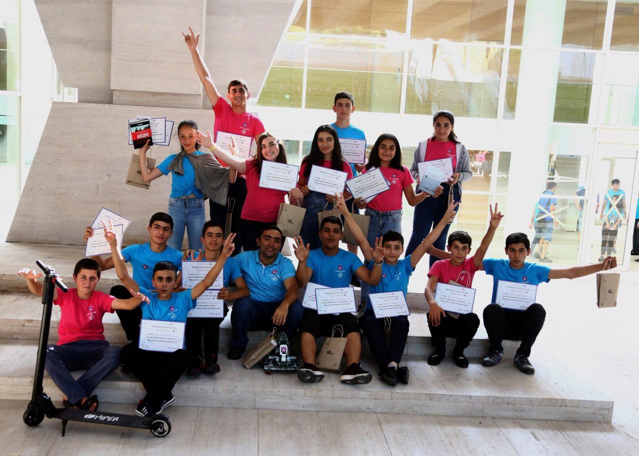 Ucom. «Արմաթ» տեխնոճամբարին մասնակցել է ավելի քան  400 դպրոցական