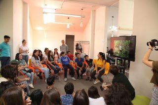 Beeline. Գաֆէսճեան արվեստի կենտրոնի հետ միասին ԹՈՒՄՈ Գյումրիում ներկայացվեց «Արվեստանոց» ցուցադրությունը