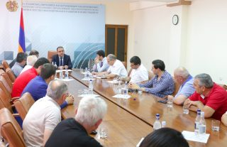 Տիգրան Խաչատրյանը հանդիպել է մսամթերք արտադրող ընկերությունների ներկայացուցիչների հետ
