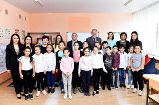 Երեխաները ֆրանսերեն կուսումնասիրեն նոր դասասենյակում. Ստեփան Գիշյան բարեգործական հիմնադրամ