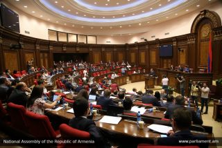 Պետությունը 56 մլրդ դրամ ԱԱՀ-ի պարտքը կվերադարձնի տնտեսավարողներին. ԱԺ-ն ընդունեց օրինագիծը