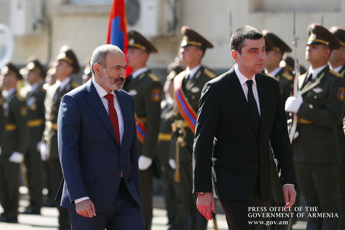 Երևանում կայացել է Նիկոլ Փաշինյանի և Գեորգի Գախարիայի հանդիպումը