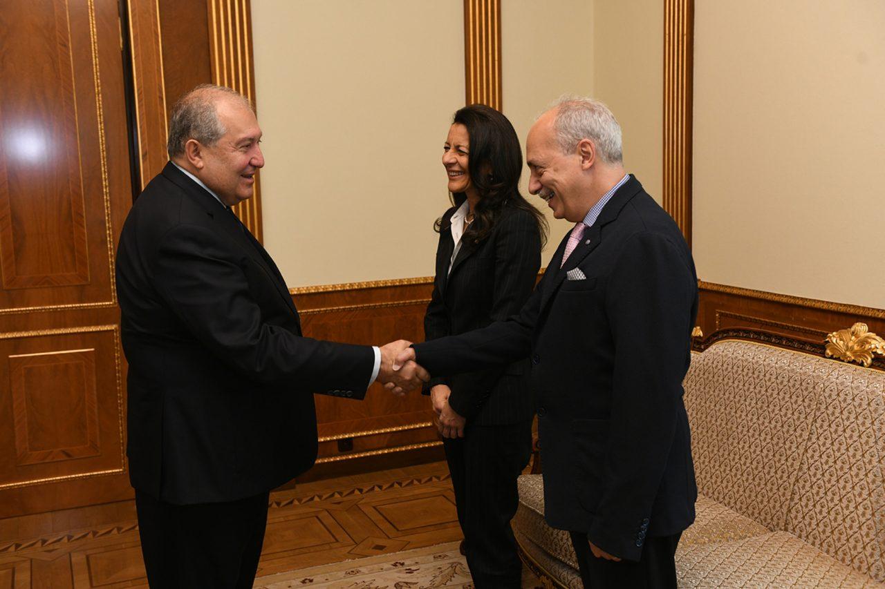 Նախագահ Սարգսյանն ընդունել է IEEE Computer Society-ի և «Սինոփսիս Արմենիա»-ի նախագահներին