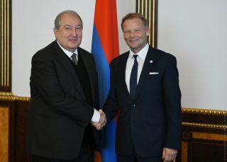 Ապագային միտված համագործակցություն. նախագահ Սարգսյանը հանդիպել է Եվրոպական ներդրումային բանկի փոխնախագահի հետ