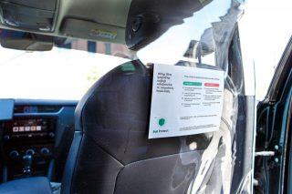Պլաստիկե բաժանարար՝ Bolt ընկերության մեքենաներում վարորդներին և ուղևորներին պաշտպանելու համար