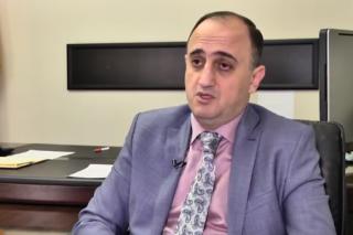 Հրապարակ. Պաշտոնաթող փոխքաղաքապետը մեկ ամսում պարգեւատրվել է 4700 դոլարով