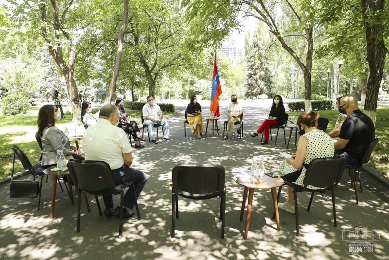 Ազգային Ժողով. Հանդիպում զբոսաշրջության ոլորտի մի խումբ ներկայացուցիչների հետ