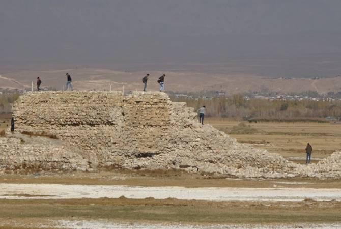 Վանա լճի մակարդակի իջեցման արդյունքում հայտնաբերվել են Արարատյան թագավորության շրջանի պատմական կառույցներ