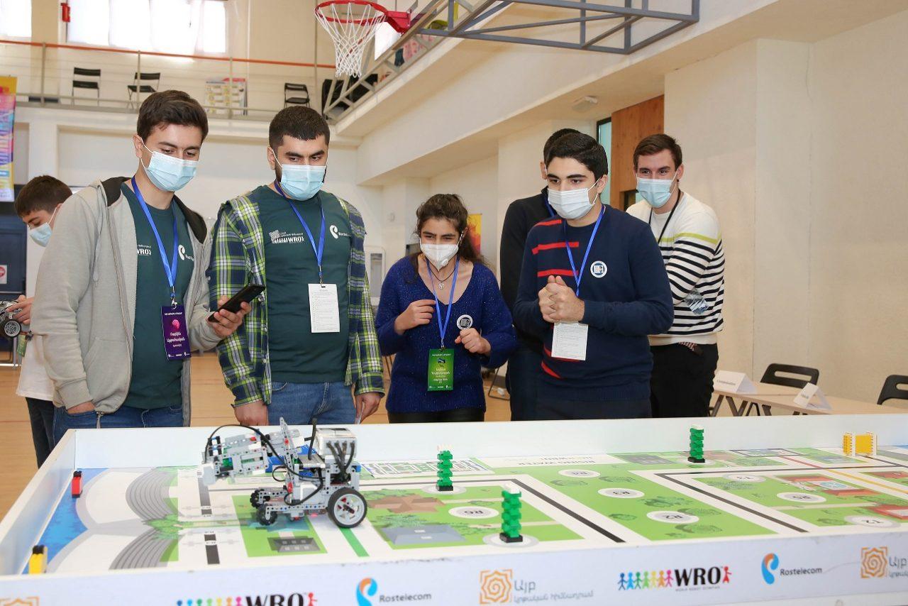 #ՀԱՂԹԵԼՈՒԵՆՔ ստեղծելով. Ամփոփվեցին «Ռոստելեկոմ»-ի աջակցությամբ կայացած ռոբոտների համաշխարհային օլիմպիադայի ազգային փուլի արդյունքները