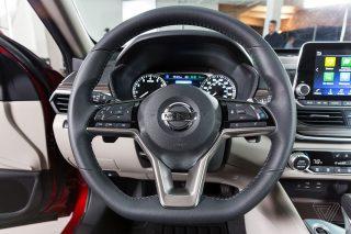 Apple-ը եւ Nissan-ը բանակցություններ են վարել անվարորդ ավտոմեքենայի շուրջ