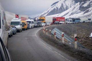 Լարս ավտոճանապարհի ռուսական կողմում կա մոտ 420 կուտակված բեռնատար ավտոմեքենա
